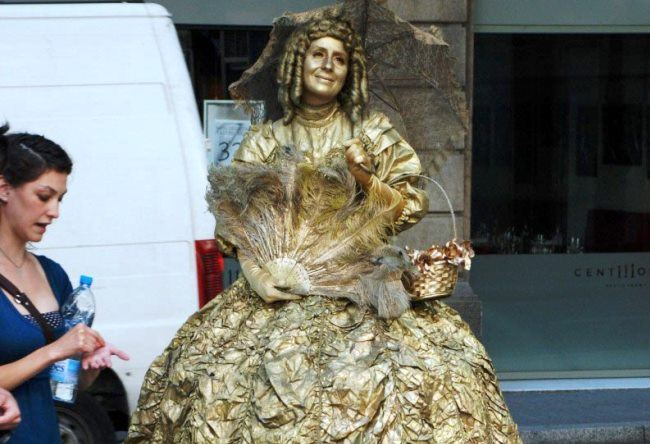 Living statues in Barcelona 4
