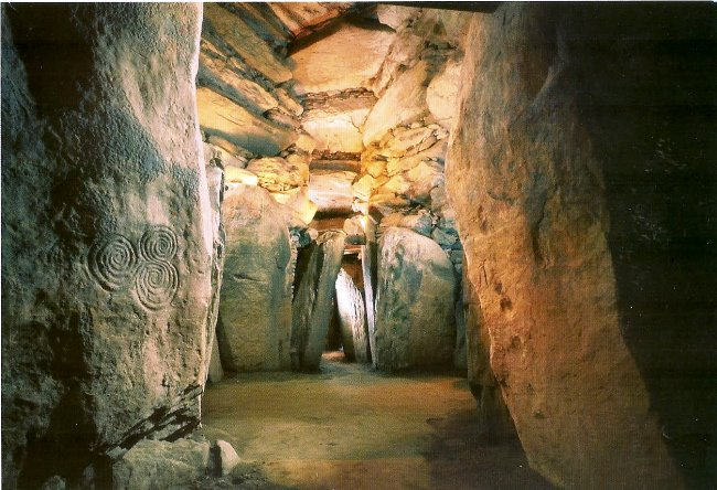 Ireland the ancient Newgrange 2