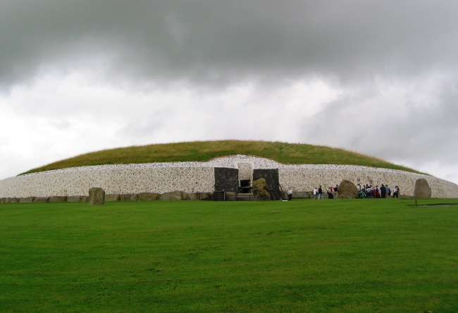 Ireland the ancient Newgrange 3