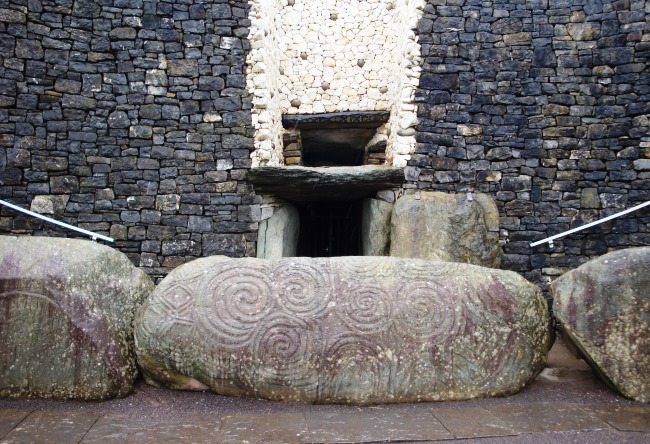 Ireland the ancient Newgrange 4