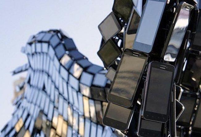 Statue of Pegasus Smartphone 3