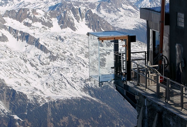 Step into the void from the top of the Aiguille du Midi 5