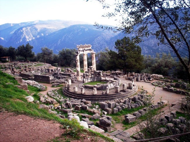 Delphi town  the hub of the universe 3