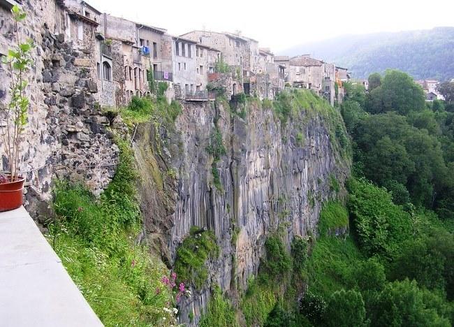 On the verge of a cliff  Castellfullite-de-la-Rock 5