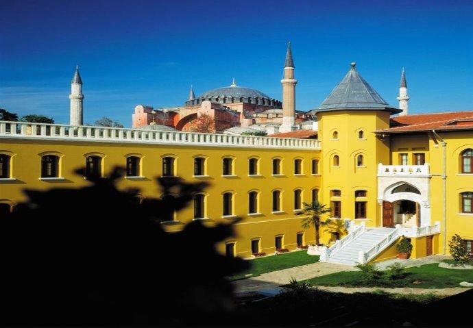 ТОП-10 самых необычных отелей Турции 1