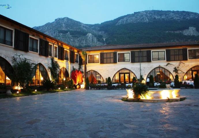 ТОП-10 самых необычных отелей Турции 7