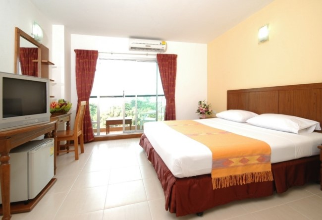 Топ-10 отличных отелей Паттайя для людей без звездных запросов 9