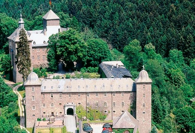 Топ-10 отелей в замках в Германии 10
