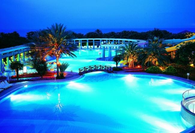 Топ-10 крутых бассейнов в отелях Турции 4