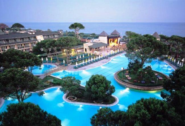 Топ-10 крутых бассейнов в отелях Турции 8
