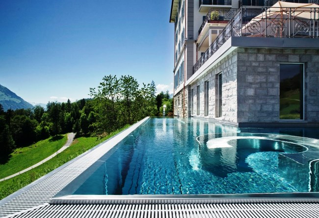 Топ-10 прекрасных зимних бассейнов 1