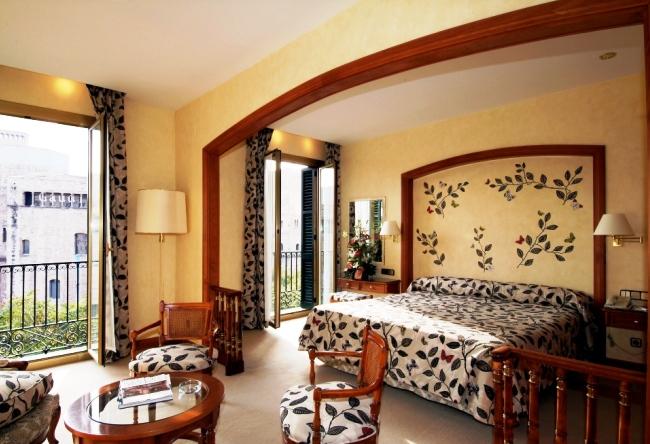 Топ-10 отелей в туристическом центре Барселоны 5