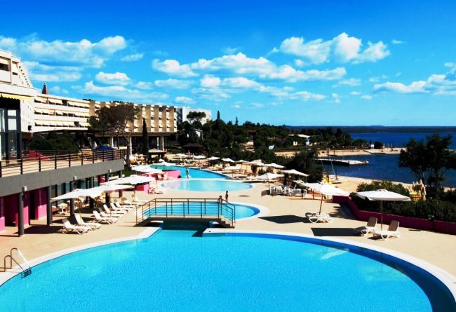 Топ-10 лучших отелей для пляжного отдыха зимой 10