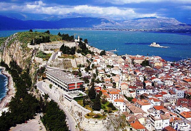 Топ-10 самых популярных отелей Греции 1