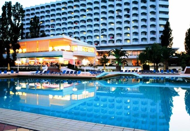 Tоп-10 лучших отелей для отдыха с детьми в Греции 4