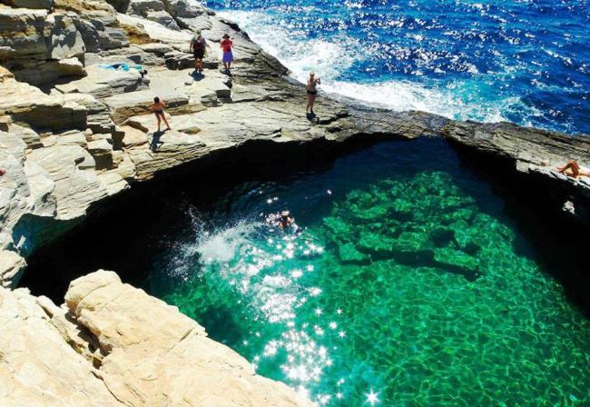 Tоп-10 лучших отелей для отдыха с детьми в Греции 5