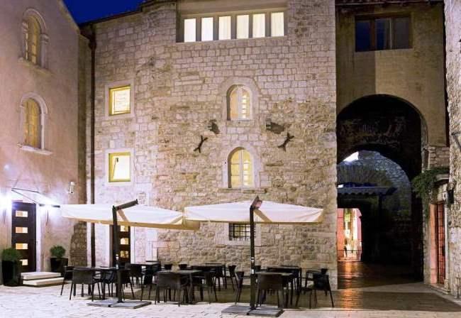 Топ-10 отелей в отреставрированных исторических зданиях 8