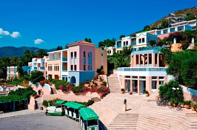 Топ-10 самых популярных отелей острова Крит 4