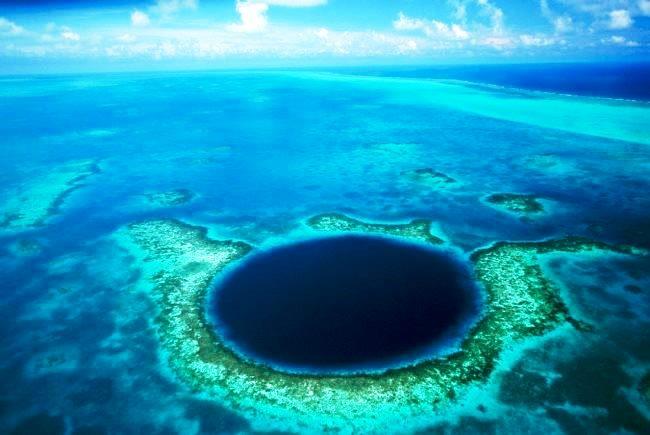 Большая голубая дыра – рай для дайверов