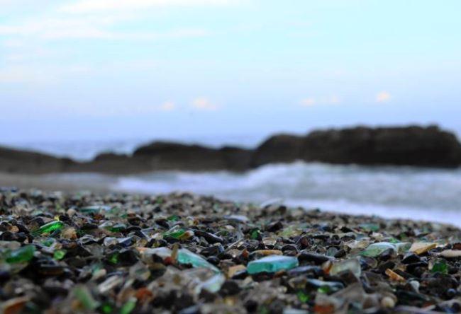 Стеклянный пляж или природные голышики 3