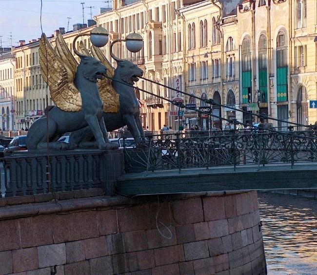 Позолоченные грифоны Петербурга 5