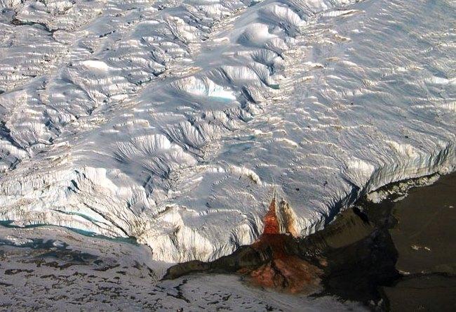 Кровавый водопад ледника Тейлор 2