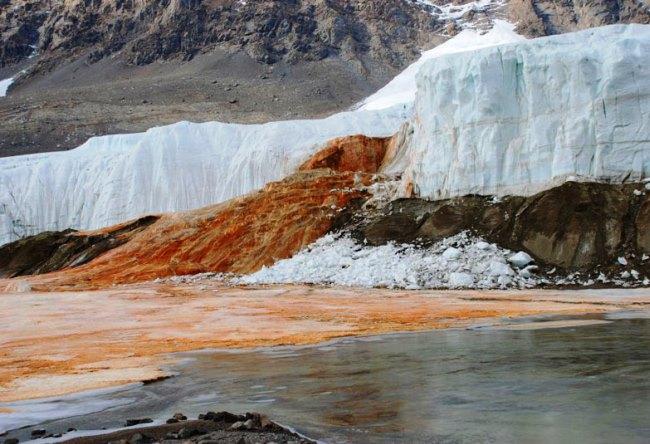 Кровавый водопад ледника Тейлор 3