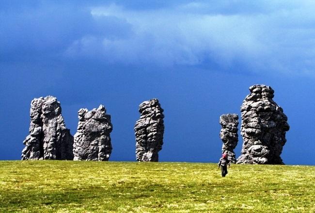 Семь великанов на Мань-Пупу-Нер 2 1526.мир