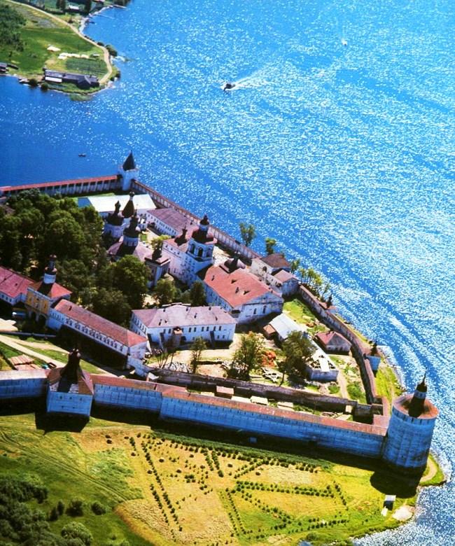 Кирилло-Сергиевский монастырь 3