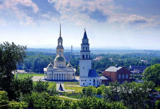 Наклонная башня Невьянска
