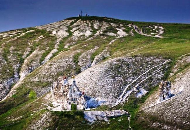 Свято-Спасский монастырь в Костомарово 2