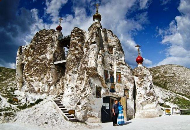 Свято-Спасский монастырь в Костомарово 4