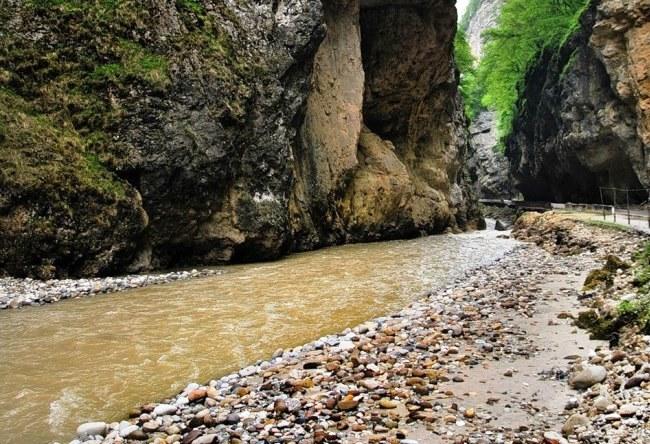 Живописное Чегемское ущелье 2