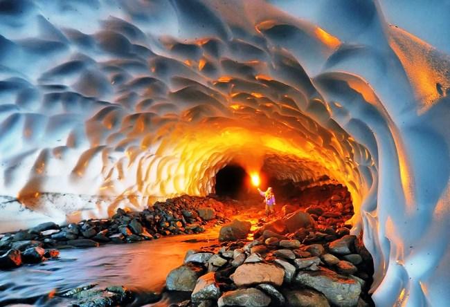 Ледяные пещеры Камчатки 4