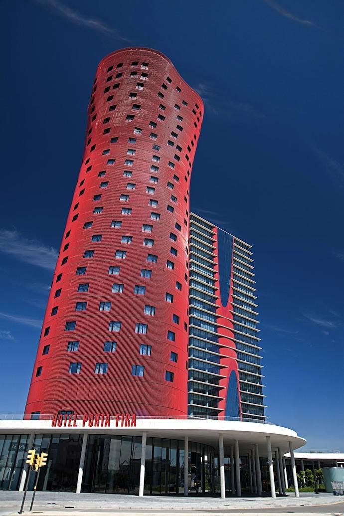 Отель Порта-Фира в Барселоне, (2009)