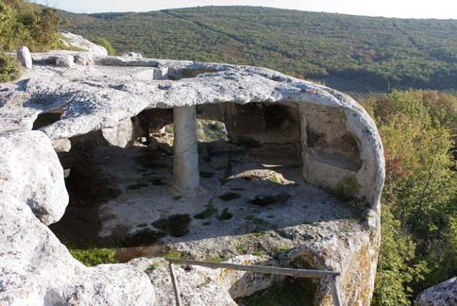 Crimea Bakhchisarai the cave town Eski Kermen 4