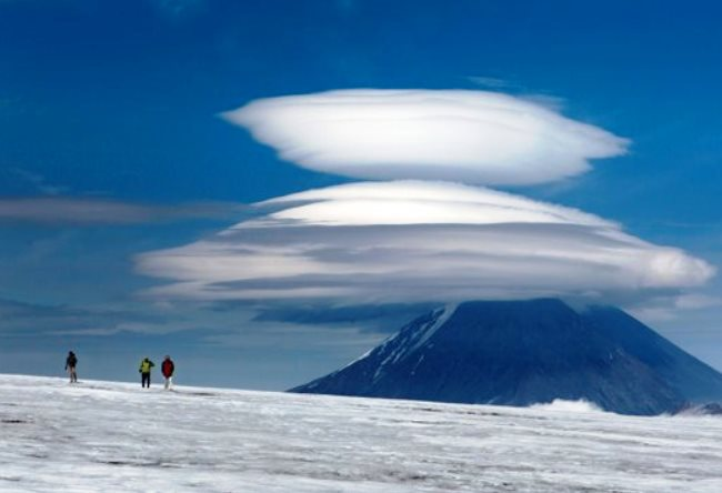 Lenticular clouds over Kluchevskoy 3