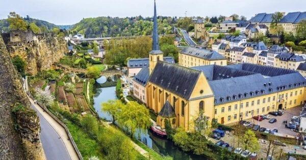 Государство маленькое, но важное – Люксембург к вашим услугам