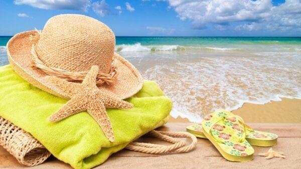 Пляжный отдых в Европе осенью