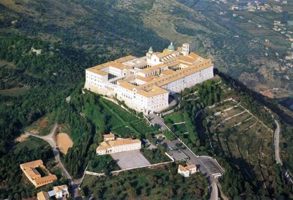 Italian Stalingrad in the monastery of Monte Cassino