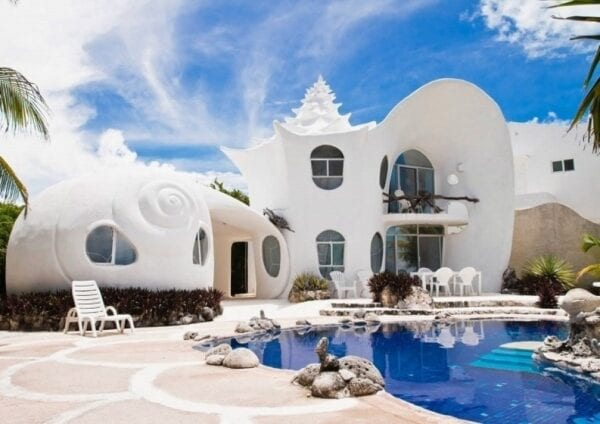 House-shell on the island of Isla Mujeres
