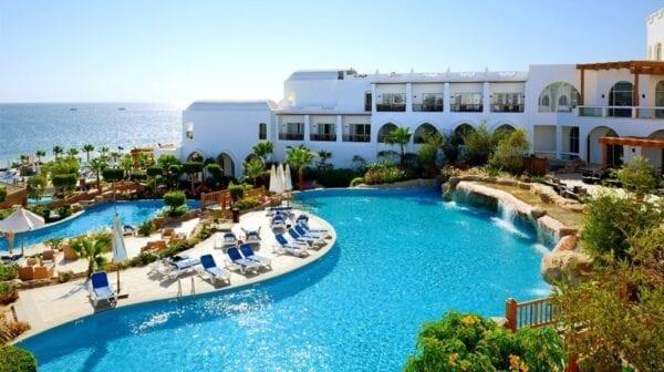 Хургада или Шарм-эль-Шейх: какой курорт выбрать