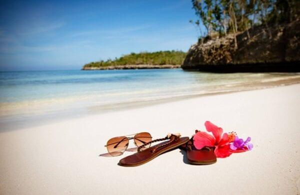 Куда поехать отдыхать в апреле на море?