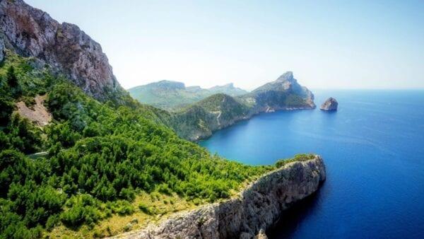 Страны для пляжного отдыха в июне