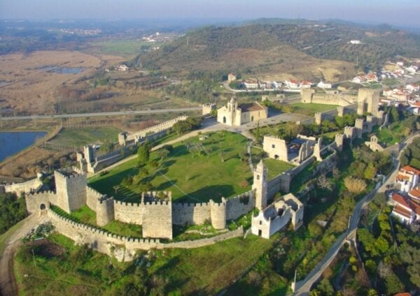 Замок Монтемор