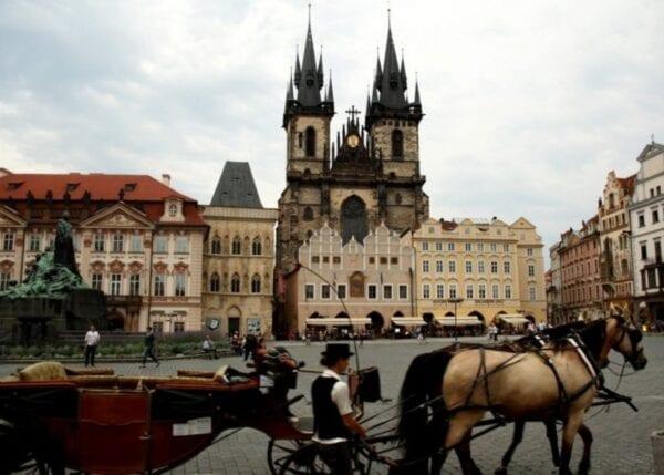 Проживание в Праге: стоимость жилья для туристов