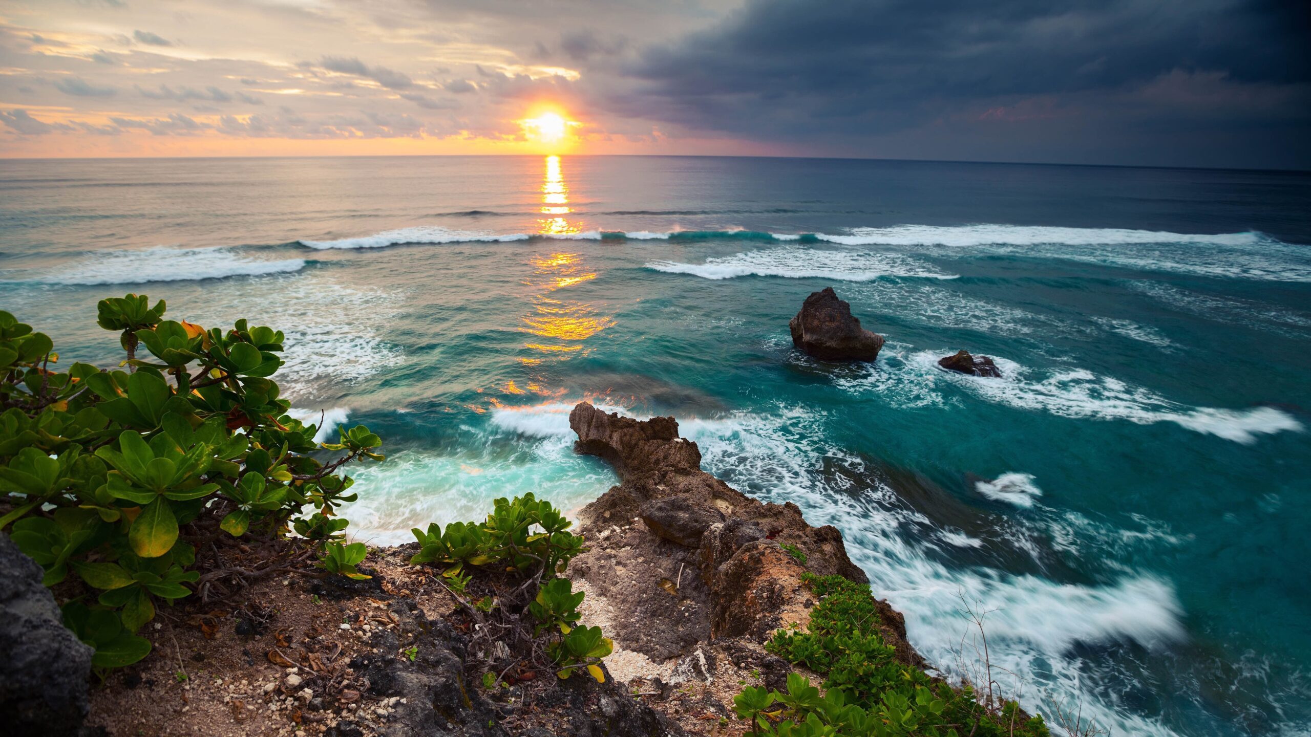 okean_s_berega_ostrova_bali_indonezija