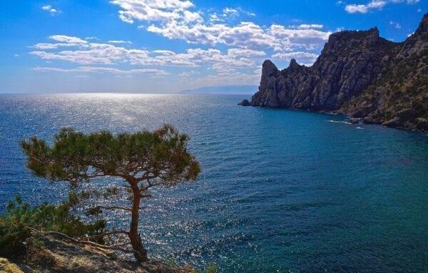 Отели Косы Беляус в Крыму