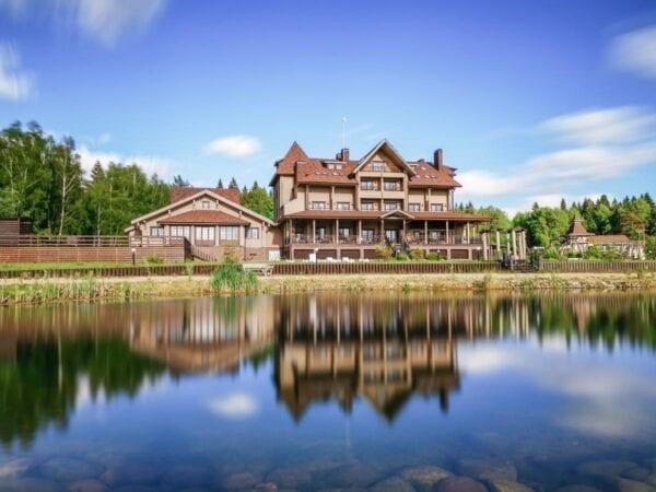 Обзор лучших загородных отелей Московской области