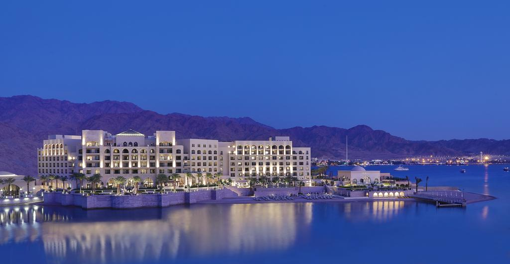 al-manara-a-luxury-collection-hotel